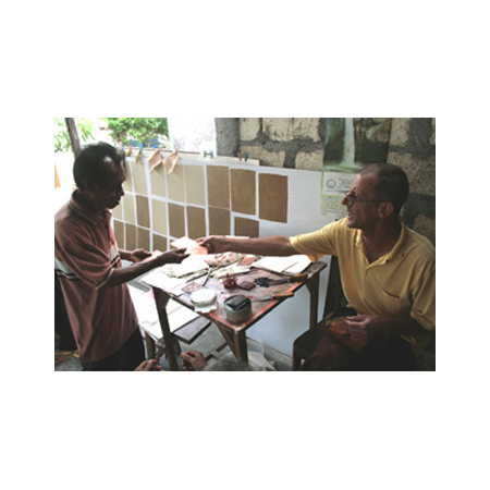 Leon Stainer and Yohannes Yulianna during the workshop in Baun, West Timor.