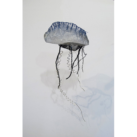 Aussie Man-of-War Jelly Fish (Common Full Bottle), wire sculpture, 2015